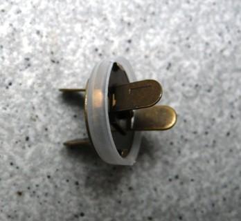 Magnetic Closure - Antique